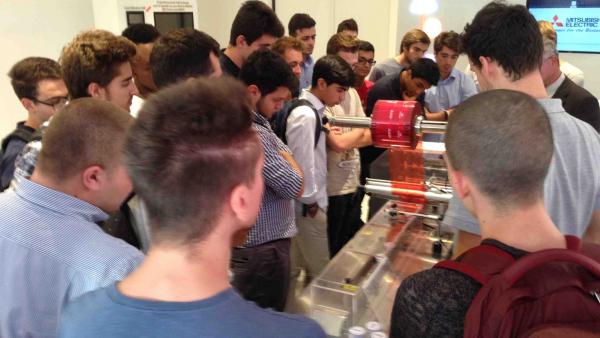 Studenti nel Training Center Mitsubishi Electric